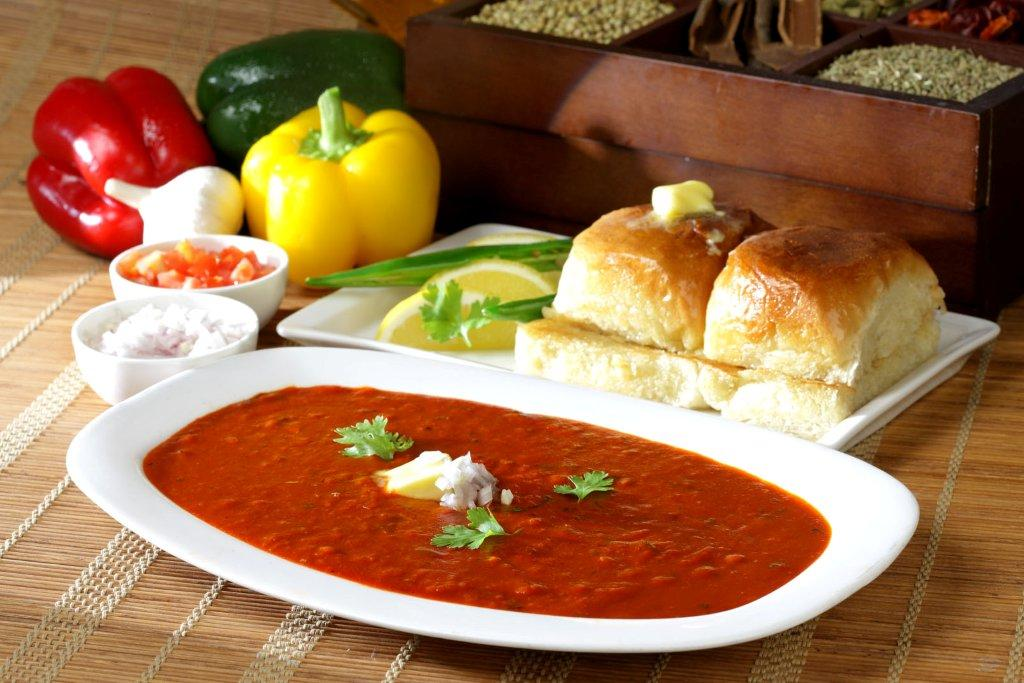 my favourite food pav bhaji essay Pav bhaji is a fast food dish from india, consisting of a thick vegetable curry, fried  and served with a soft bread roll history[edit] the dish originated in the 1850s.